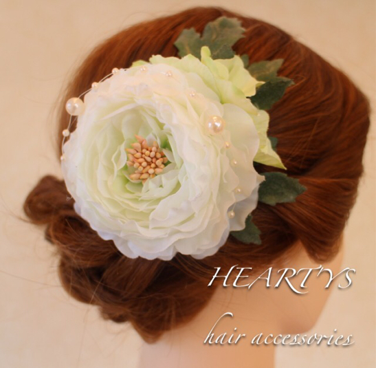 *ラナンキュラス(ホワイト)とパールの髪飾り♪【送料無料】