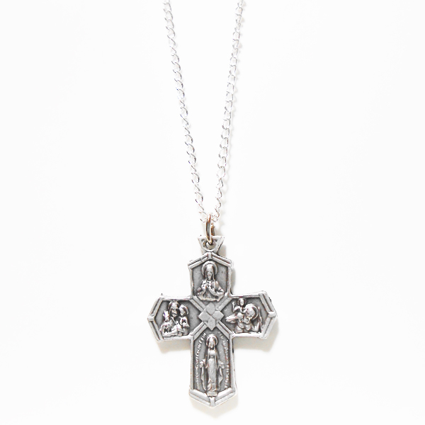 聖人達のクロスネックレス