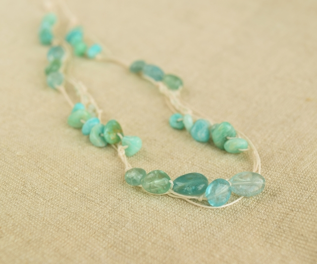 【金属フリー】Peacock green necklace