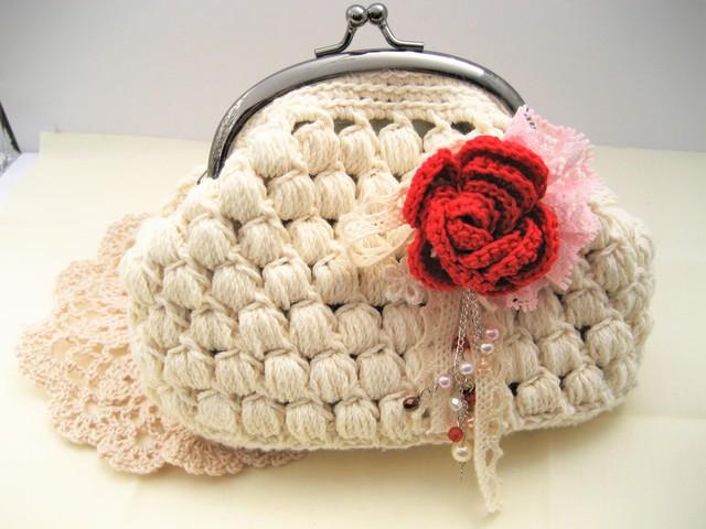 玉編みのがま口ポーチ