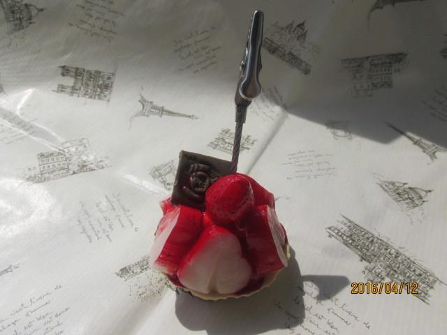 小さなイチゴ・タルトのメモスタンド スイーツデコ