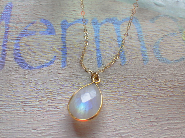 �����Framed Moon Stone Necklace *14kgf*