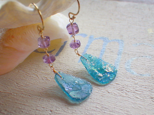 �?�ޥ饹�Υޡ��ᥤ�ɥԥ�����Ocean Blue Roman Glass Earrings  *14kgf*