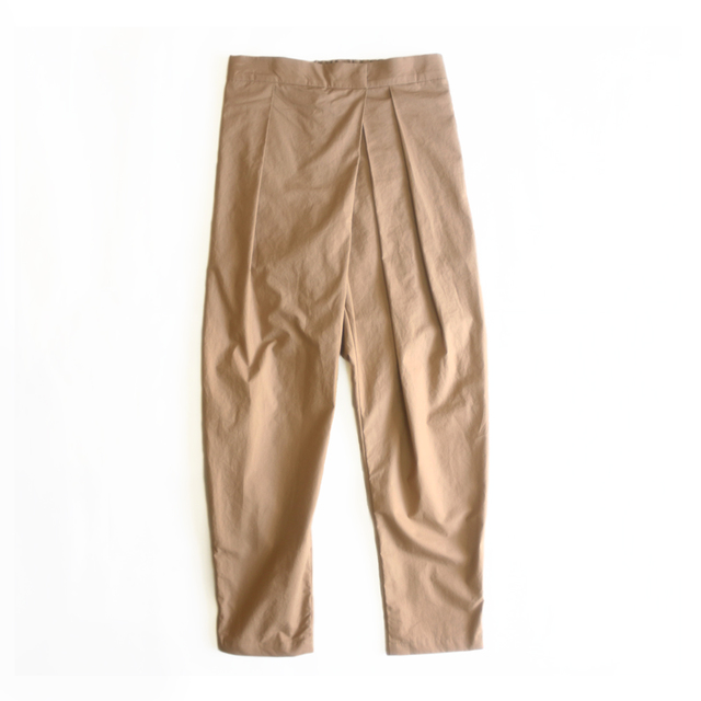 タイプライター tack×gather tapered pants_beige