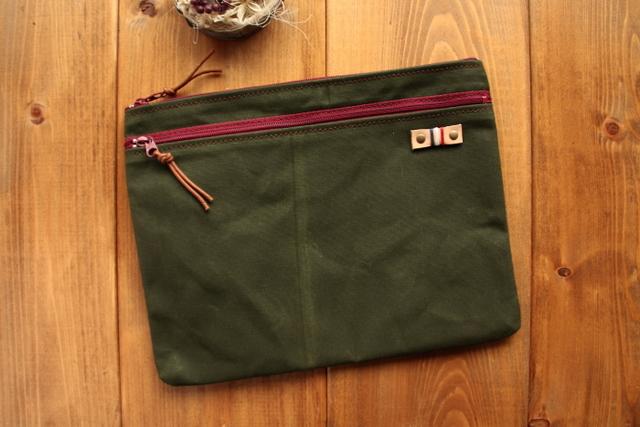*H881 帆布の前ファスナーポケット付きポーチ Lサイズ -オールドモスグリーン-