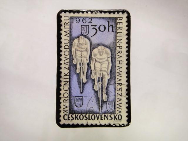 チェコスロバキア 切手ブローチ1051