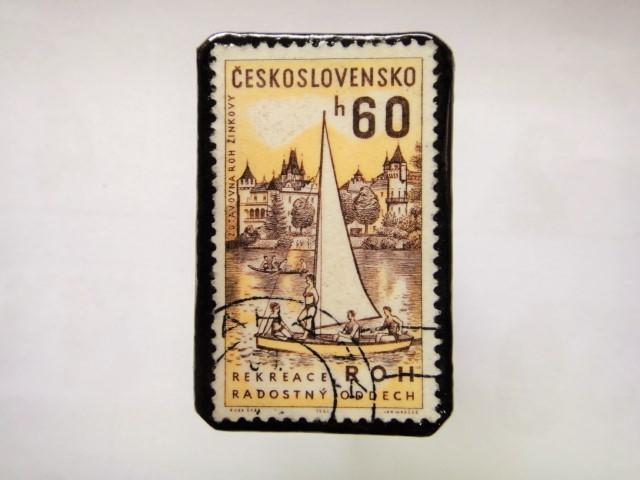チェコスロバキア 切手ブローチ1054