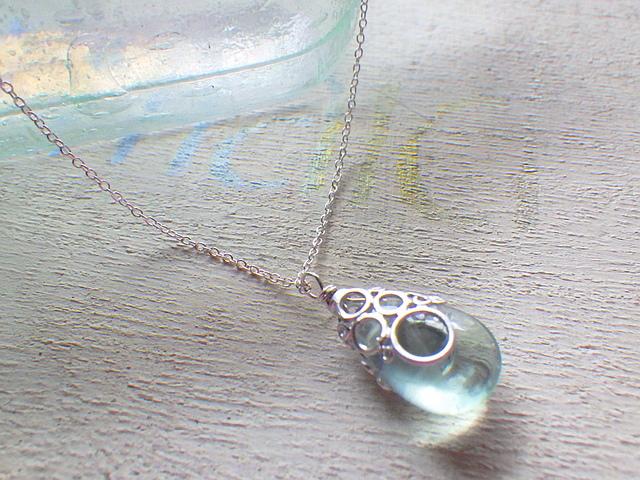 ☆再販☆ 海の泡フローライトのネックレス sv925