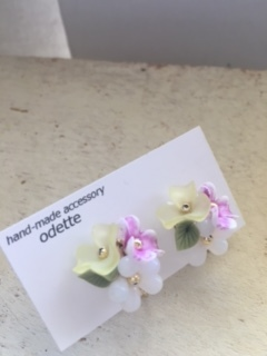 華やかなお花のイヤリング☆