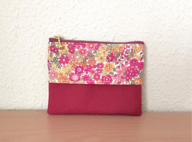 花柄のティッシュポーチ     赤・ピンク系