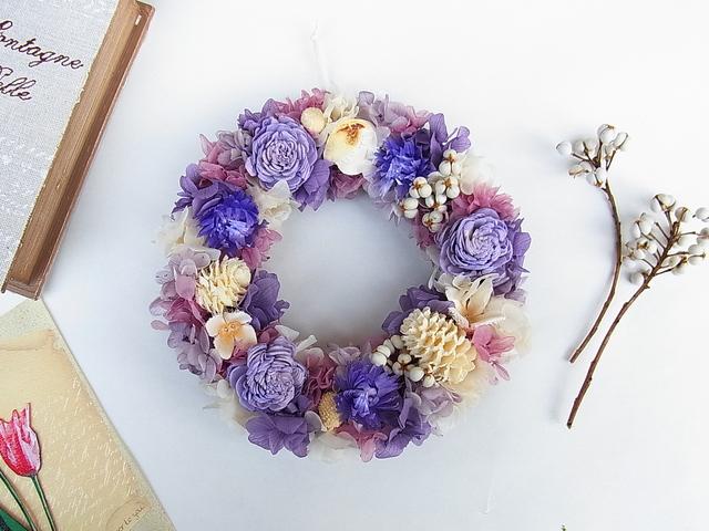 紫いっぱいの春色リース