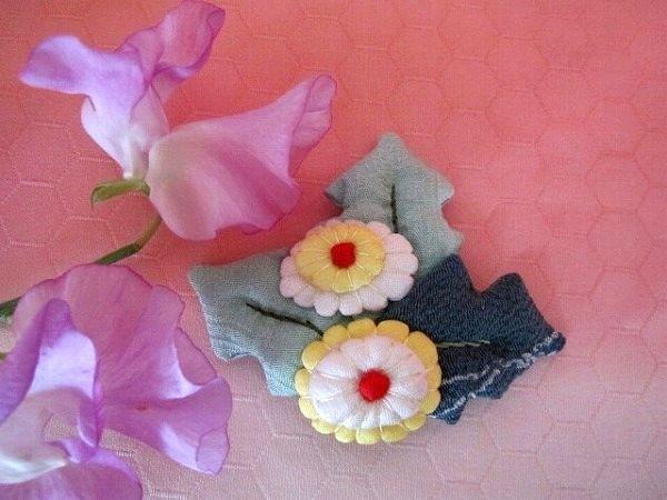 ちりめん細工 たんぽぽ花のブローチ