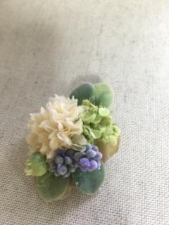 きなり色の花とラベンダーが可愛いヘアクリップ