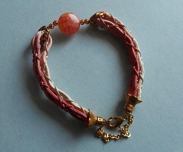 和の伝統*ピンクと白のぼかしの羽織紐にインカローズ15mm玉を組合せの華麗なブレス*14-19