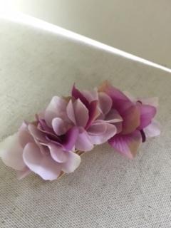 紫陽花の上品なバレッタ 薄桃色