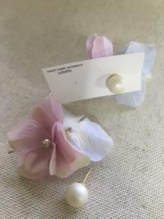 マットなパールピアス&紫陽花キャッチ