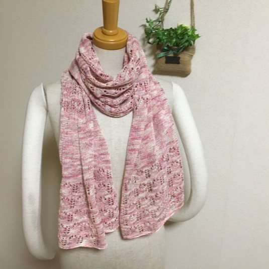 ほんわり透かし編みストール ピンク系ミックス