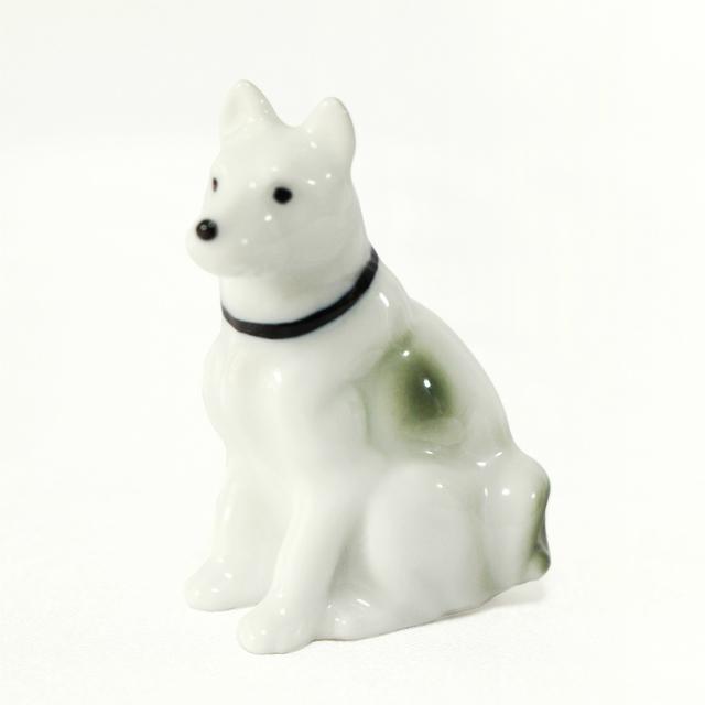 ミニ骨壷 大型犬 紀州犬 北海道犬 シェパード風 ( 有田焼 ) 22番 AD-16