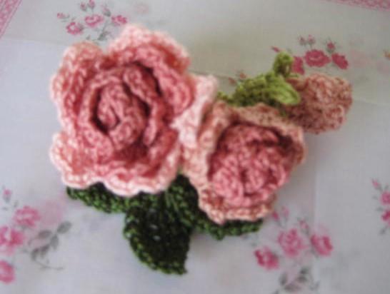 ピンク薔薇のコサージュ