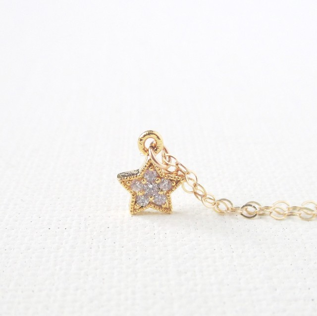 きらきら光る小さな星のネックレス 【14kgf】