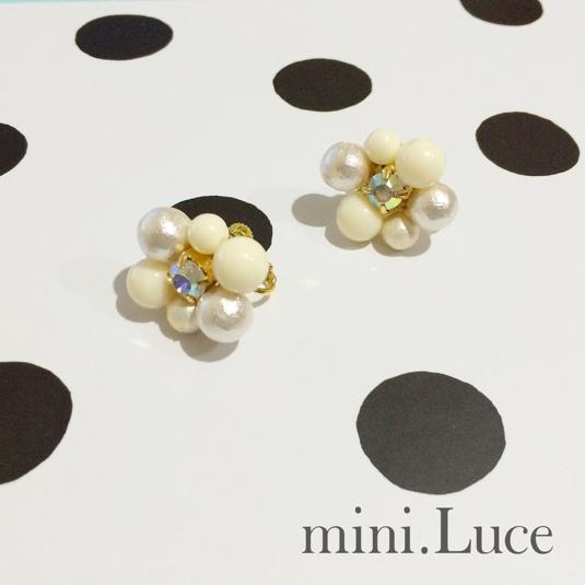 Dot Flowerのイヤリング