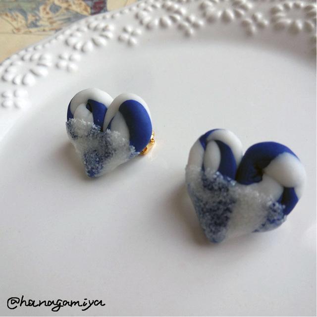 青と白のしましまキャンデーブローチ