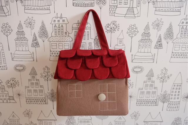 OUCHI box bag M 赤い屋根+モカベ—ジュ