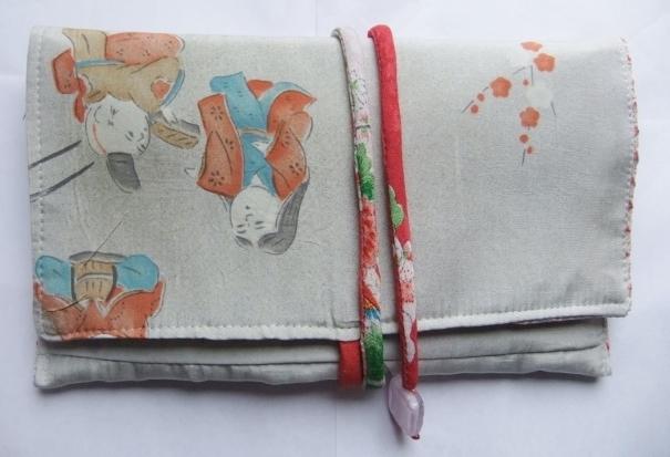 着物リメイク 羽織の裏地で作った和風財布 1356