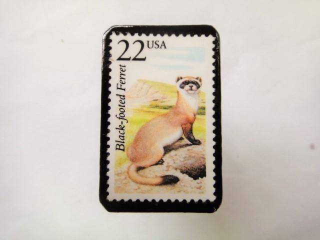 アメリカ 切手ブローチ1073