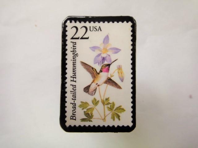 アメリカ 切手ブローチ1074