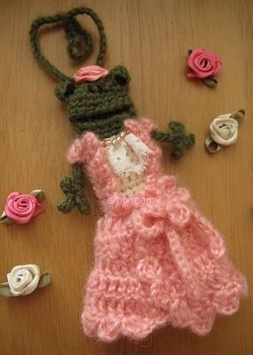 【SALE】あみぐるみ!ケロリップカバー・カシュクールドレスのケロリーヌさん♪【ピンク】