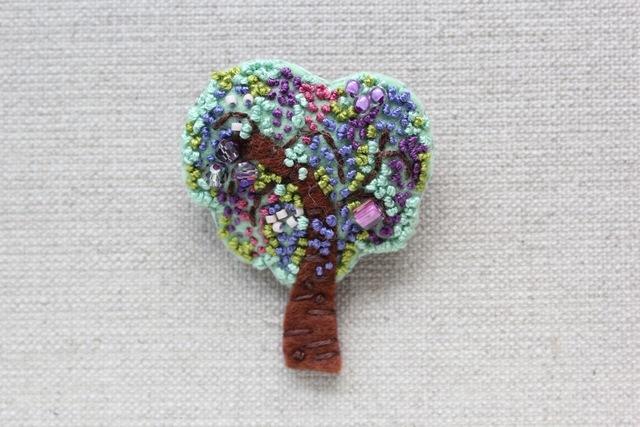 《ご予約品》木のブローチ 藤