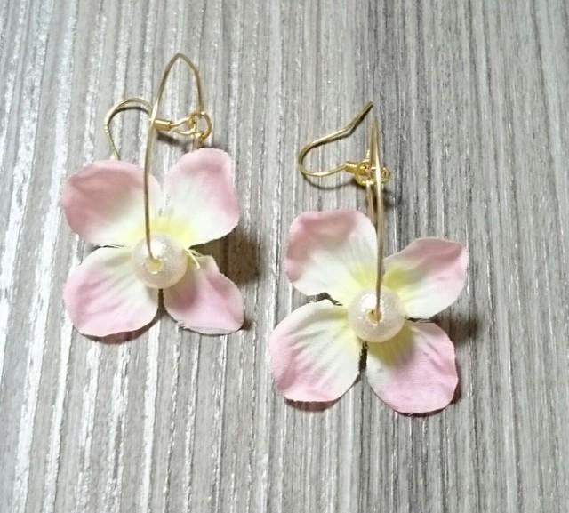 シンプル お花のフープピアス