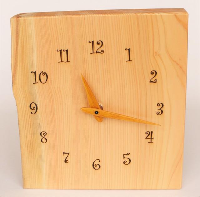 百年ひのきの壁掛け時計