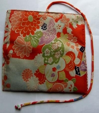 着物リメイク 花柄の羽織裏で作った和風財布 1364