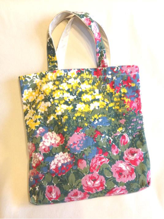 【A】インパクトある春夏花柄キャンバス*たっぷりショルダーバッグ*油絵タッチの限定希少生地*キャンバス帆布バッグ