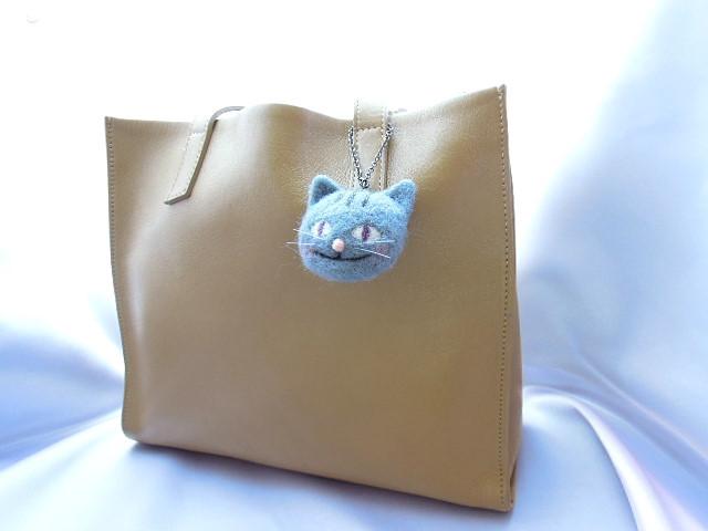 羊毛フェルト グレーな猫のバッグチャーム