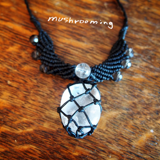 マクラメ 水晶ネックレス