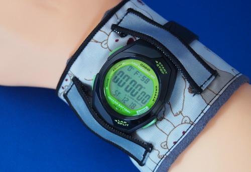 腕時計用の汗とりアームハンカチ(2枚組・クマ)