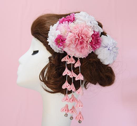 ベビーピンク色の花髪かざり