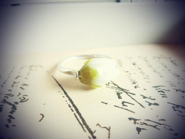 【FT】薔薇のつぼみリング(ホワイト×銀)
