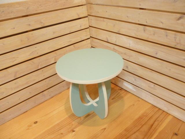 マッシュルームマルチテーブル・チェアー