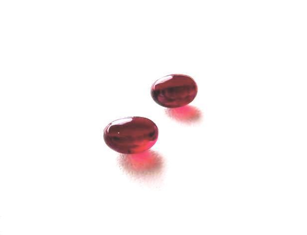 赤のピアス 片耳