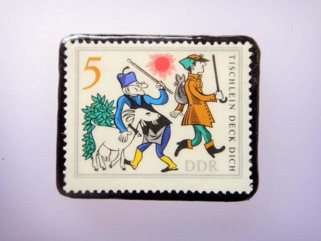 旧東ドイツ 童話切手ブローチ1077