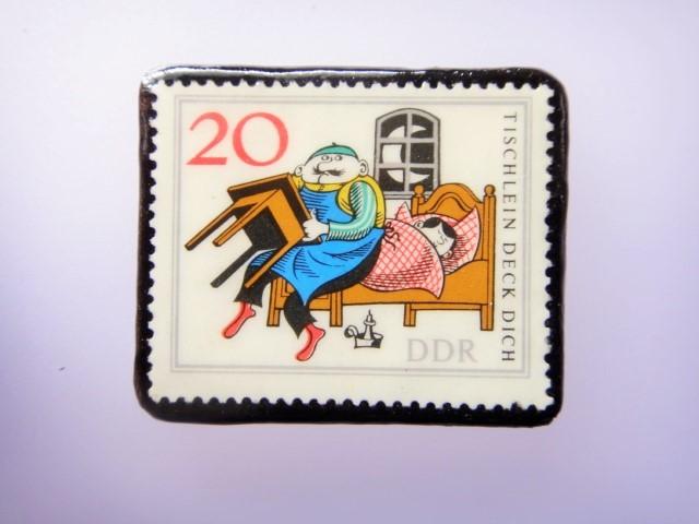 旧東ドイツ 童話切手ブローチ1079