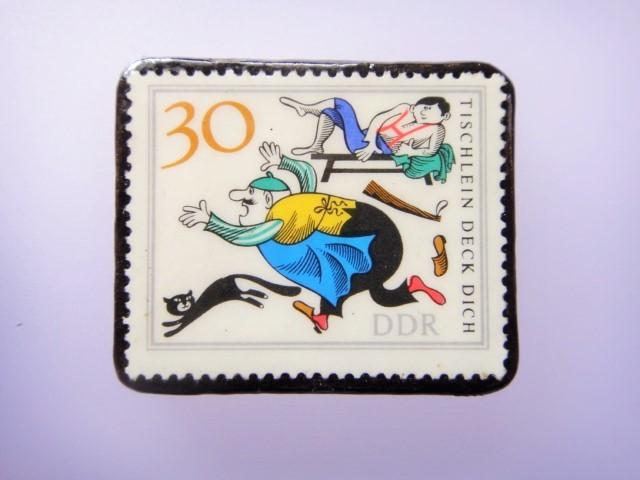 旧東ドイツ 童話切手ブローチ1081