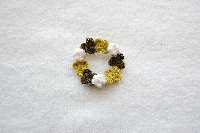 Clover wreath brooch クローバーブローチ