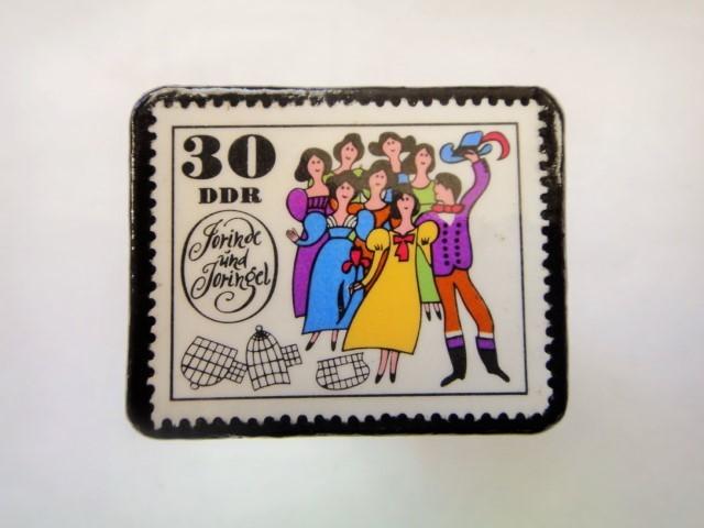 旧東ドイツ 童話切手ブローチ1084