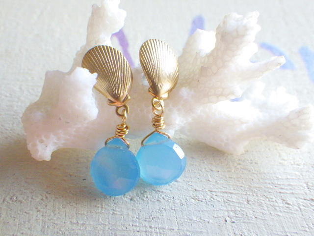 人魚の海  Chalcedony Shell Earrings