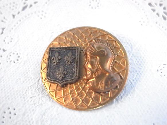 ヴィンテージメダルとローマ兵士とエムブレムチャームのブローチ